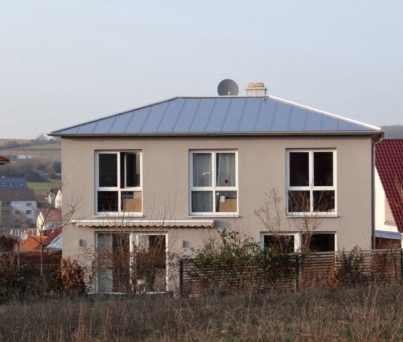 Modernes Haus mit schöner Farbe