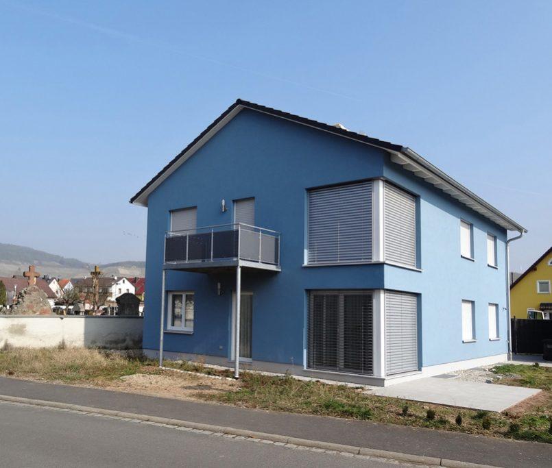 Modernes Haus in freundlicher Farbe